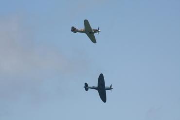 Hawker Hurricane Mk. IIC & Supermarine Spitfire PR. XIX