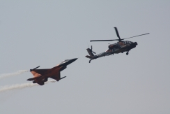 Boeing AH-64D Apache Longbow & Lockheed-Martin F-16AM Fighting Falcon
