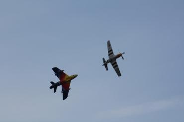 "Hawker Hunter F.58A ""Miss Demeanour"" & North American P-51D Mustang ""Ferocious Frankie"""