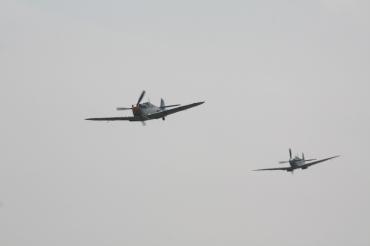 Hispano HA-1112-M1L Buchon & Supermarine Spitfire LF. IXB