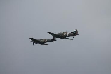 Supermarine Spitfire LF. XVIE & Hawker Hurricane Mk. IIC