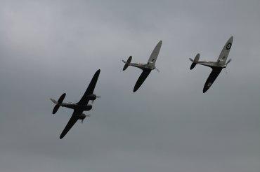 Bristol Blenheim Mk. I & Supermarine Spitfire Mk. IAs