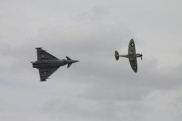 Supermarine Spitfire Mk. IIA & Eurofighter Typhoon FGR.4