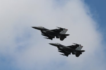 Lockheed-Martin F-16CM Fighting Falcons